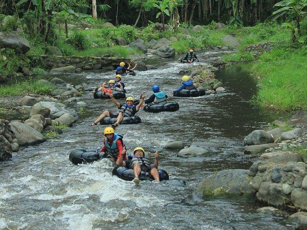 Bromo dan River Tubing
